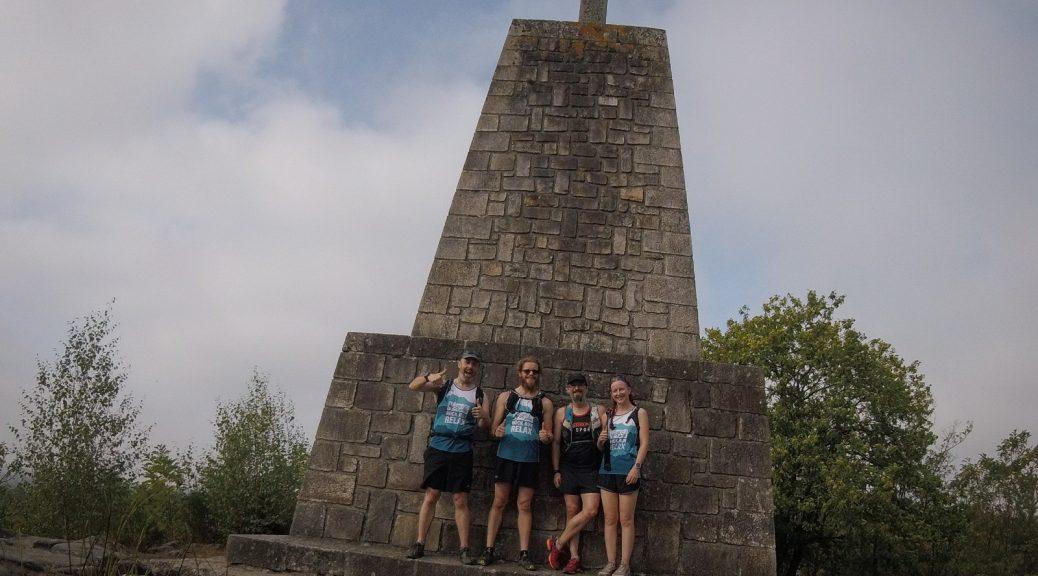 The runners assemble under the monument de la résistance